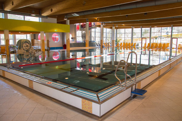 Pool in the indoor pool of the VIVAX leisure center